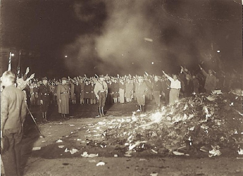 Nazis burn books in Berlin 1933
